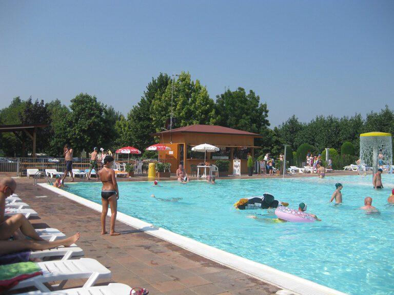 zwembad van eurocamping Pacengo aan het Gardameer