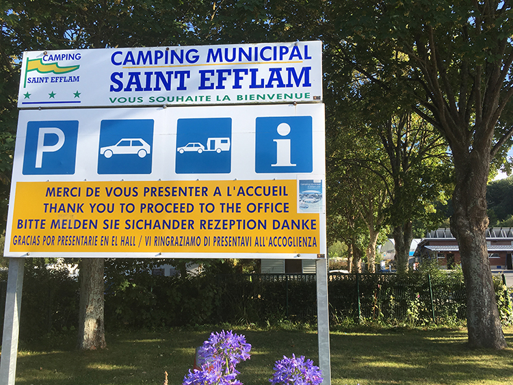 ingang camping Saint Efflam