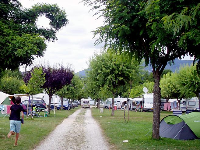 op de camping richting het meer lac d'aiguebelette