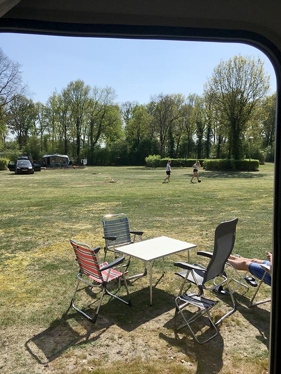 veld op camping heidepark lemelerveld