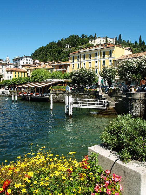 zicht op bellagio vanaf lago di como