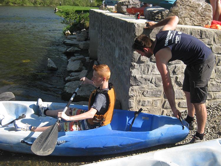 geholpen worden door outdoor camping barvaux met de kano