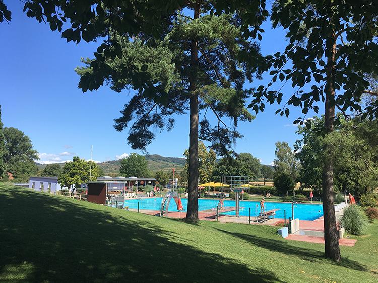 zwembad camping Kaserstuhl