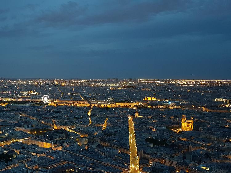 uitzicht vanaf tour montparnasse in de avond