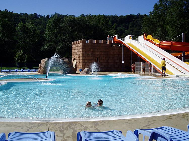 Sunêlia La Ribeyre zwembad
