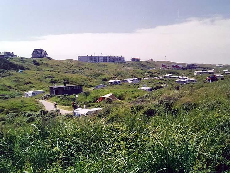 kamperen in de duinen van camping Kogerstrand De Koog